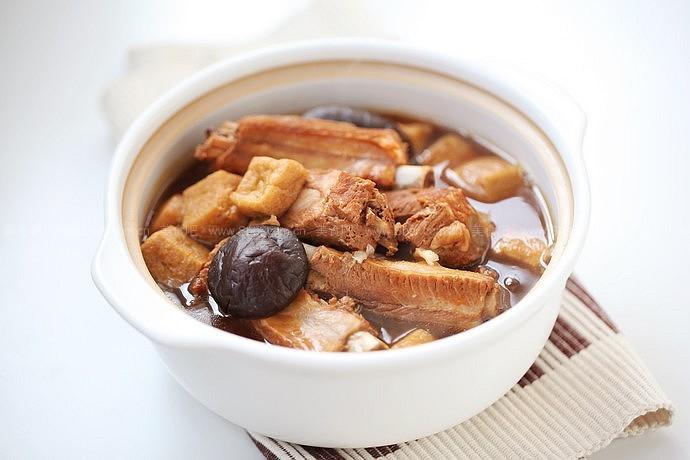 肉骨茶(东南亚经典肉骨茶制作全攻略)