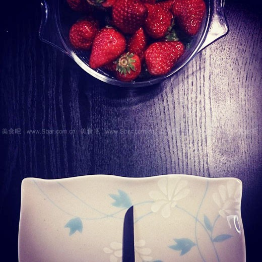 草莓玫瑰(水果拼盘)