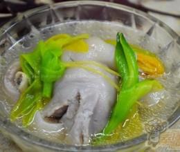 黄花菜的功效与作用--猪蹄炖黄花菜