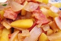 洋葱马铃薯炒培根