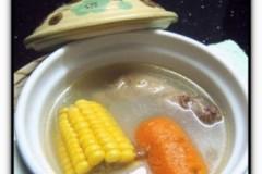 甜玉米老母鸡汤