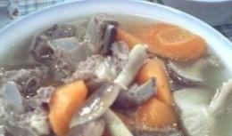 香茹胡萝卜排骨汤