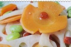 胡萝卜炒脆藕