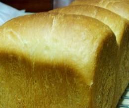 鲜牛奶白土司面包