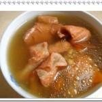 土茯苓茨实薏米煲瘦肉