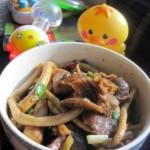 腊肉干煸茶树菇