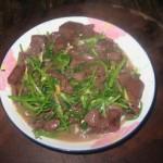 芹菜炒猪红