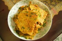 芹菜叶胡萝卜煎饼