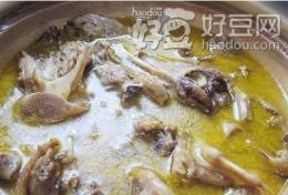 菜油土鸭煲