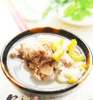 苦瓜薏米骨头汤