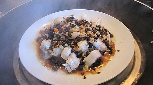 蒜头豆豉蒸海鳝