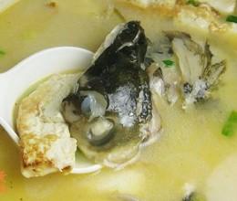 鲢鱼头滚豆腐