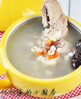 枸杞薏米排骨汤