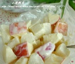 营养丰富、口感新鲜苹果沙拉