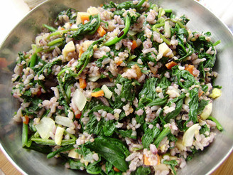 健康主食菠菜叶炒米饭