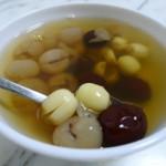 莲子红枣蜜糖水
