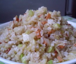 火腿肠包菜炒饭