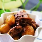 小土豆烧鸡翅