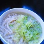 白菜絲熱湯面