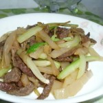 咸菜西芹炒牛肉