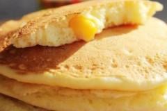 玉米粒蛋奶饼