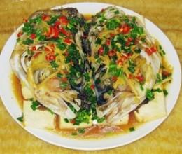 剁椒豆腐蒸大鱼头