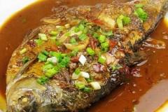 红油豆瓣酱烧鳊鱼