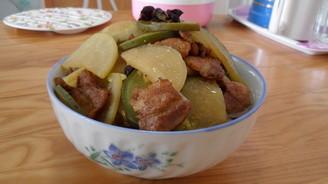 家常菜-萝卜炖肉