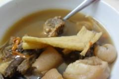药材猪尾汤