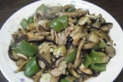 柿子椒香菇炒肉片