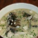 白锅鱼头豆腐汤