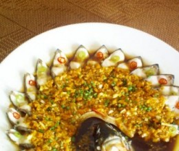 黄剁椒蒸边鱼