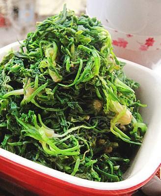 蒜泥拌荠菜