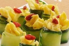 鸡蛋黄瓜卷