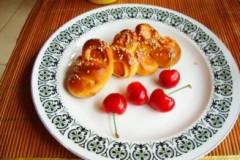火腿肠花面包