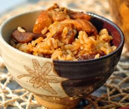 松蘑鸡肉煲仔饭