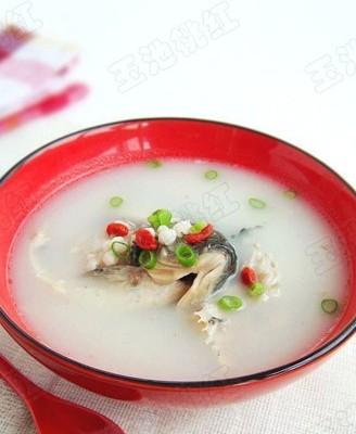 奶白鲫鱼薏米汤