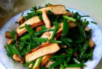 肉丝豆干炒韭苔