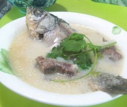 豆浆鲫鱼汤