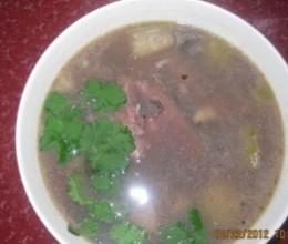 鲫鱼赤小豆节瓜汤