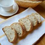 免揉亚麻籽面包