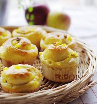 苹果葡萄干面包