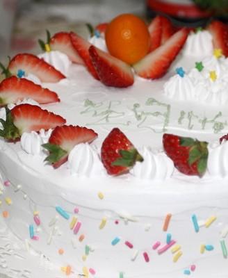 奶油生日蛋糕