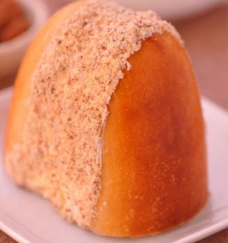 杏仁奶油夹心面包