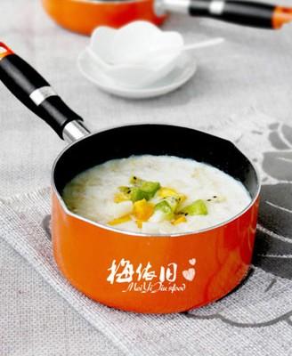 奶香水果燕麦粥