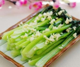 蒜蓉菊花菜