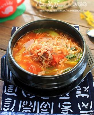 番茄金针菇肥牛锅