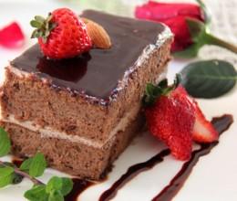巧克力鲜奶油蛋糕