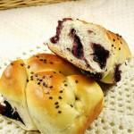桑葚果醬辮子面包