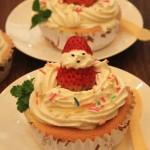 奶油草莓杯子蛋糕